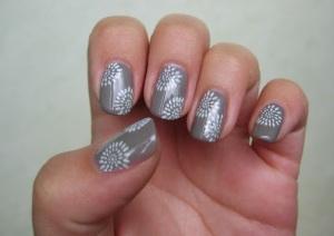 Simple Grey Nail Art