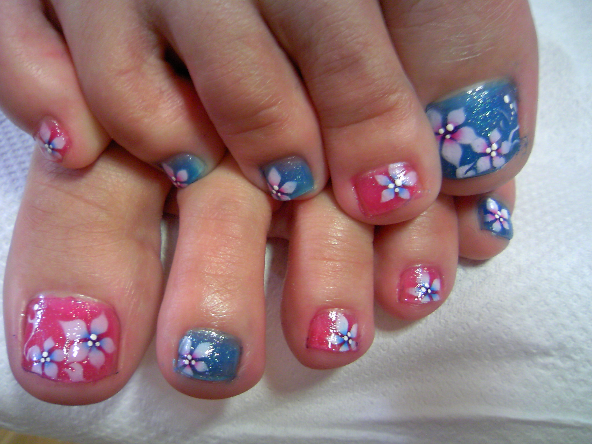 Nail Art Ideas: Pink Nail Arts